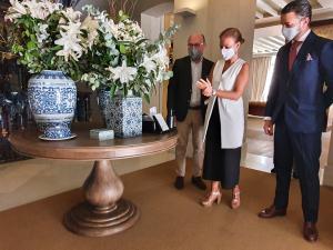 Visita de Almudena Maíllo al Hotel Urso