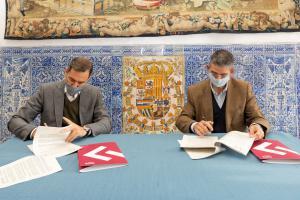 Firma del acuerdo de patrocinio de la 12ª edición de los premios Madrid Acoge