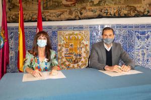 Firma acuerdo premio Mejor Visita Guiada
